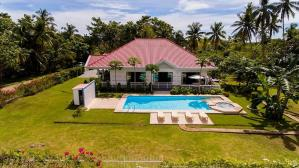 The Bohol White House Bed And Breakfast, Lila, Philippines! 004