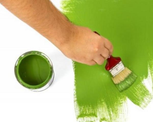 Esempio di pareti beige e porpora in un soggiorno moderno. Pittura Per Interni Consigli Per La Tinteggiatura Perfetta