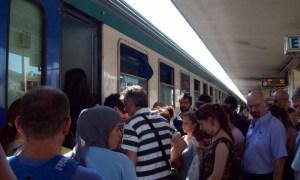 treno_affollato