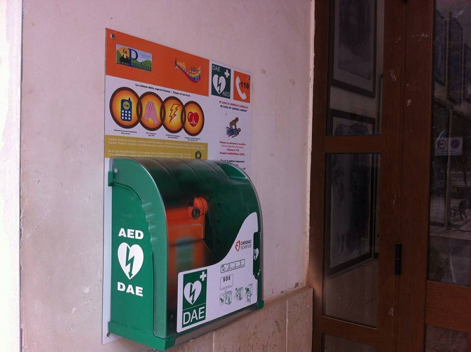 Photo of La Pro-Loco Perito, dona batterie per il defibrillatore