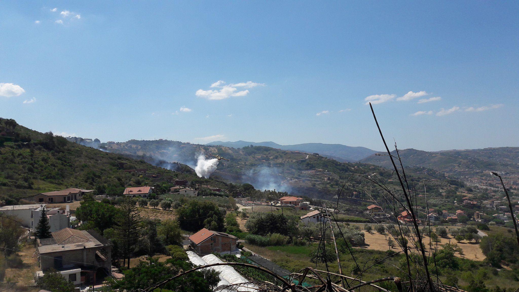 Agropoli, ancora fiamme: residenti nuovamente evacuati - Info Cilento