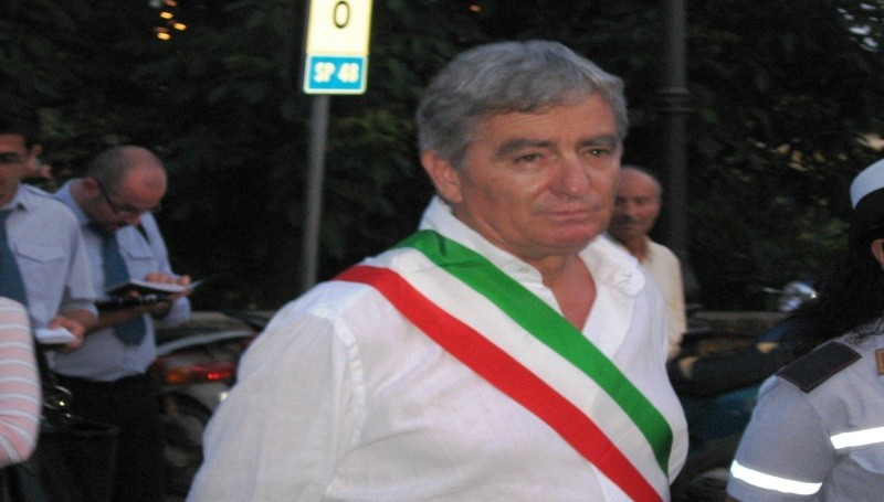 Photo of La risposta di Piero Fassino al Sindaco Tosi per la Commissione d'inchiesta omicidio Vassallo