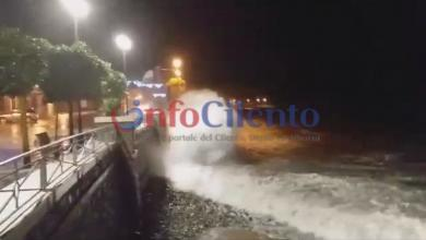 Photo of FOTO | Vento e mareggiate, disagi in Cilento