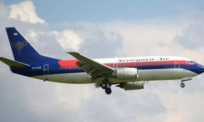 Avión cae en Indonesia