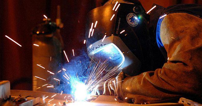 Aunque todos abandonan los pronósticos oficiales, los supervisores metalmecánicos firmaron 15%