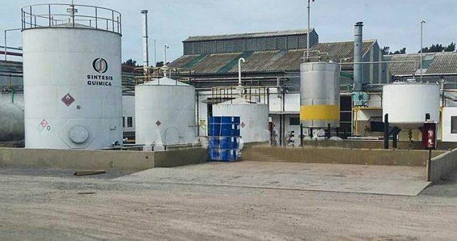 Por los tarifazos, otra empresa química al borde del cierre