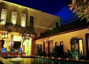 Coco de Heaven Hotel