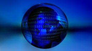 Imagen decorativa con bola del mundo y usuario