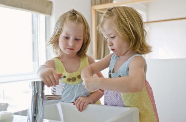 Αποτέλεσμα εικόνας για Να πλένετε τακτικά τα χέρια σας.