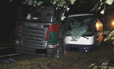 Barwałd Górny: Zderzenie autobusu z tirem