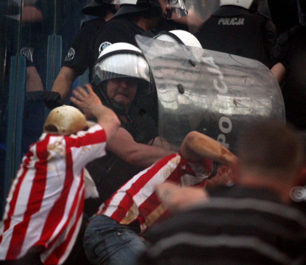Derby Krakowa okiem Policji (zdjęcia)
