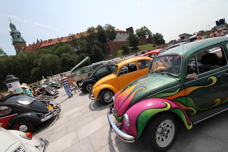 Garbusy opanowały parking pod Wawelem [ zobacz zdjęcia ]