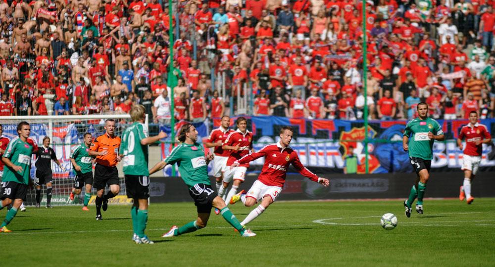 Wisła Kraków wygrywa na rozpoczęcie sezonu (zobacz zdjęcia)