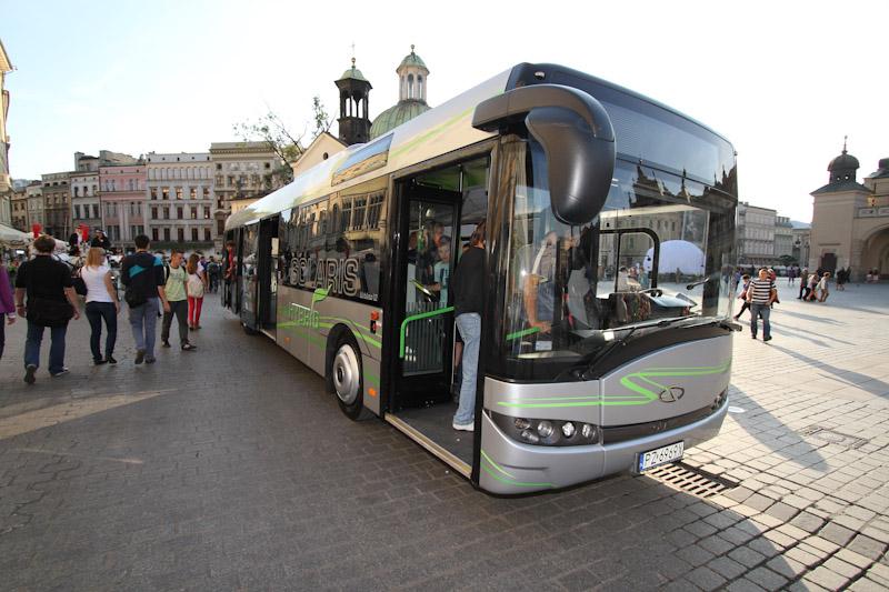 Autobus hybrydowy  promował ekologiczny transport [ zdjęcia ]