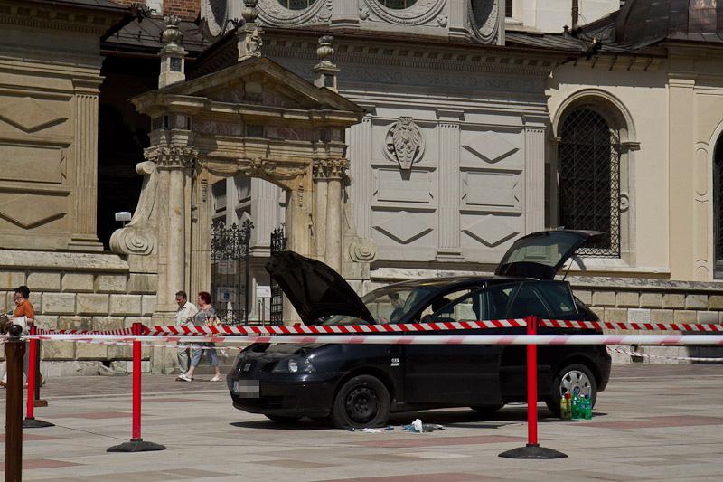 Strzały na Wawelu. Mężczyzna zatrzymany. [zdjęcia]