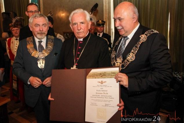 Ks. Infułat Jerzy Bryła Honorowym Obywatelem Krakowa. Fot. Jan Graczyński / INFO Kraków24