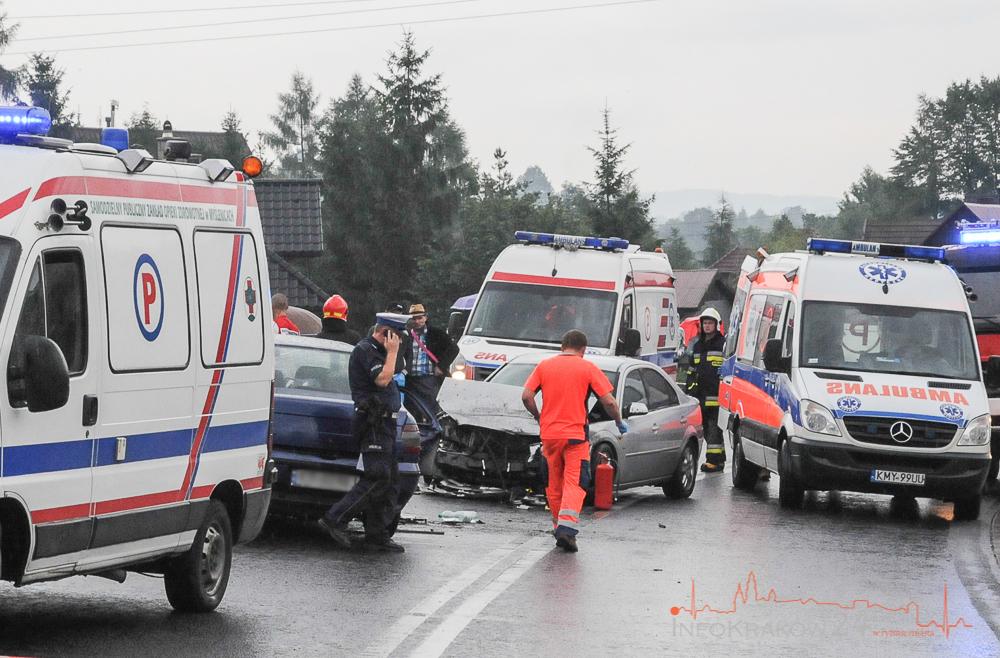 Tenczyn: Śmiertelny wypadek na Zakopiance - nie żyje 7-latka - 6 innych osób rannych [ zdjęcia ]