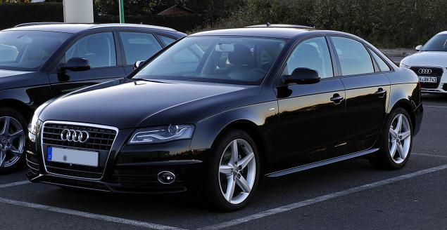 Audi_A4_TFSI_Ambition_S-line_(B8)_–_Frontansicht,_15._Oktober_2011,_Velbert