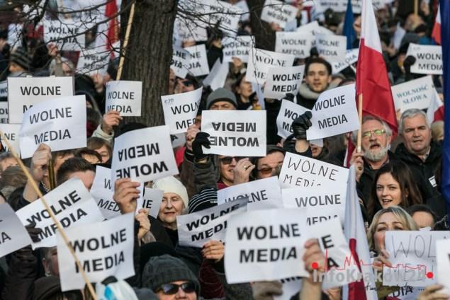 Manifestacja w obronie wolnych mediów. Fot. Jan Graczyński / INFO Kraków24