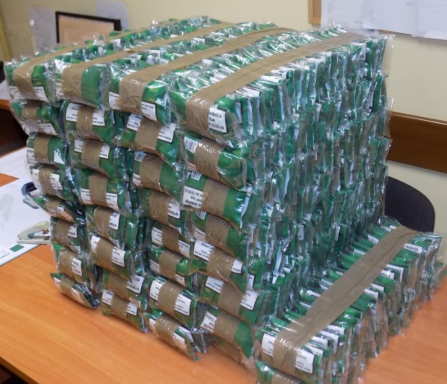Chełmek. Policjanci przechwycili narkotyki oraz tytoniową kontrabandę