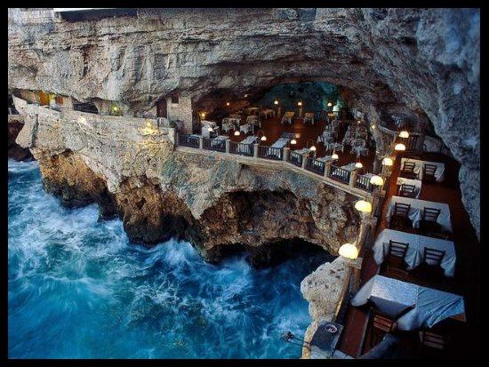Grotta Palazzese, Pouilles, Italie