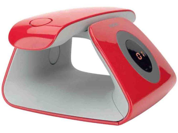 Téléphone ancien revisité au design épuré