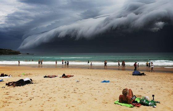 Australie - Un immense mur de nuages à Sydney