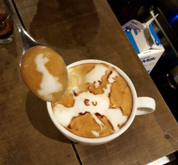 Le Brexit dans une tasse de café