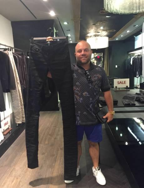 Pantalon très long
