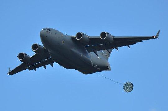 C-17 zrzut
