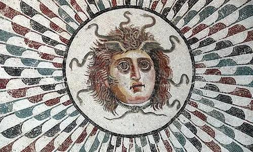 Who Killed Medusa Greek Mythology