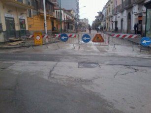 Via Luigi Rocco vhiusa