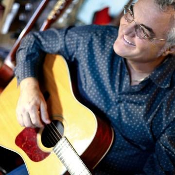 Al Trianon, Massimo Bubola e le sue nuove canzoni  In programma anche un blues scritto con Grillo