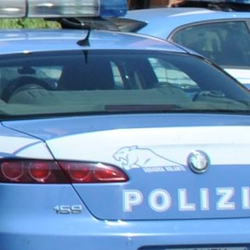 Napoli, poliziotto accoltellato per un sinistro. Arrestato un 22enne