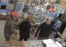 video_rapina_gioielleria_maddaloni