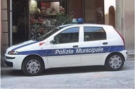 Infiltrati del corpo della polizia municipale di Secondigliano, ecco come il clan Di Lauro riusciva ad avere le soffiate.