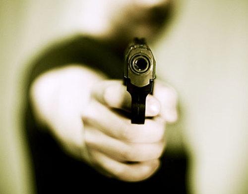 Falsi poliziotti mettono a segno due rapine in meno di un'ora. Arrestati