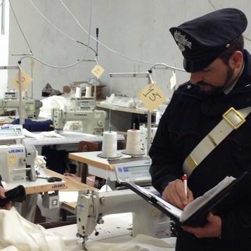 Grumo Nevano, sotto sequestro opificio con 36 lavoratori a nero. Violazioni per un milione di euro