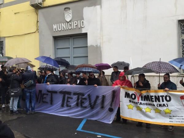 Grumo Nevano, il caso Ranucci diventa nazionale. Anche il vicepresidente della camera Di Maio chiede le dimissioni del sindaco. Guarda le foto e il video