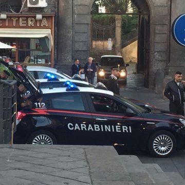 Controlli a tappeto nell'area nord di Napoli. Gli uomini dell'Arma scendono in campo