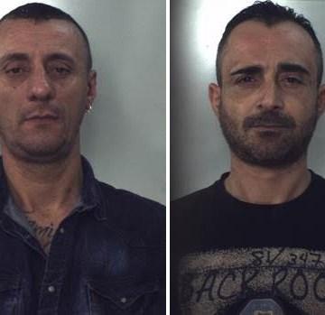 Sorpresi mentre spacciavano, arrestati. Sequestrati oltre 3 mila euro proventi dell'attività di spaccio