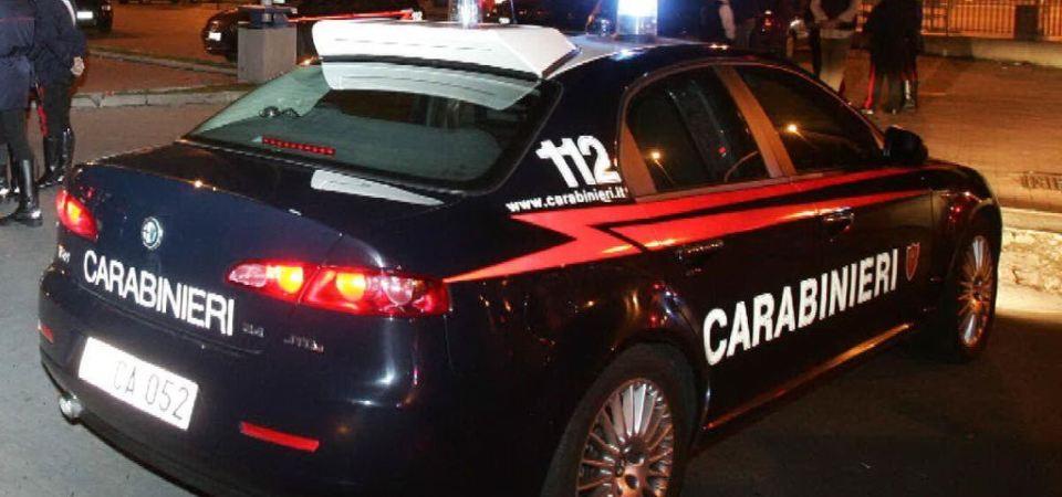 Napoli, controlli dei carabinieri a Scampia. 16enne per sfuggire alla cattura si lancia dal balcone di casa