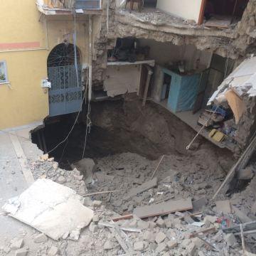 Sant'Antimo, crollo in via Giannangeli. 57 persone sfollate e 4 edifici evacuati. Verifiche in corso