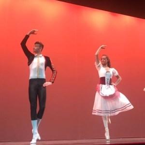Grumo Nevano, Gran Galà di Natale, l'Accademia Danza Partenopea lascia il pubblico a bocca aperta. Guarda le foto