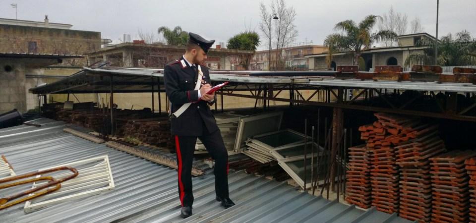 Casandrino, aveva rubato porte in alluminio dal valore di 1.500 euro. Sorpreso è stato tratto in arresto