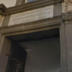 Pozzuoli, scandalo preti gay. Mangiacapra in Curia con nuove rivelazioni che inchioderebbero il giovane sacerdote fan di Laura Pausini