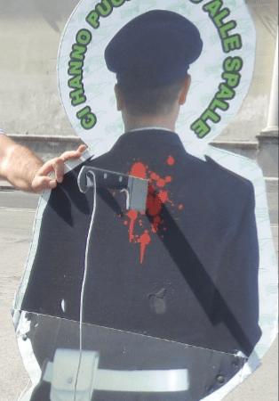 """Napoli, sit – in di protesta delle guardie particolari giurate.  Giuseppe Alviti:""""Non ci sono leggi adeguate che ci tutelano"""""""