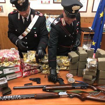 """Giugliano, da set di Gomorra a covo di armi e droga.  Arrestato titolare del ristorante """"Las Brisolas"""""""