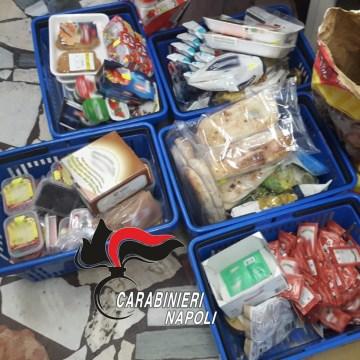 Controlli igienico sanitari: 480 confezioni di alimenti scaduti in un supermercato. Multa da 4 mila euro