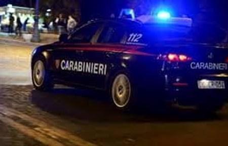 Carabinieri all'inseguimento di  un pusher. Incidente frontale sulla circumvallazione esterna